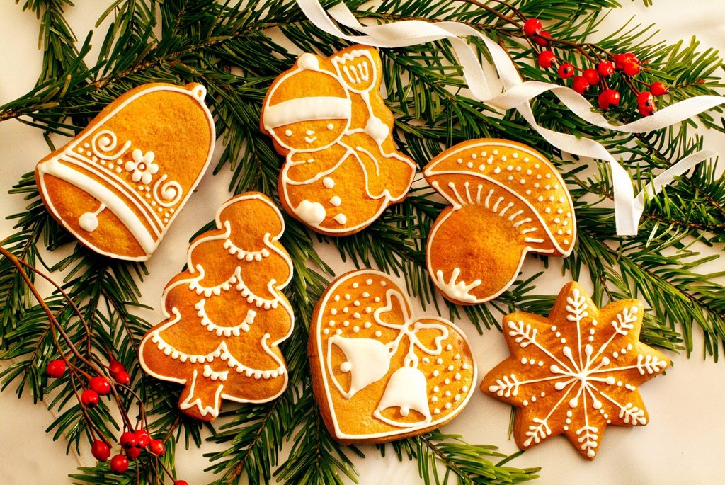 Stock Photo: 1848-587670 Gingerbread figures, Christmas cookies