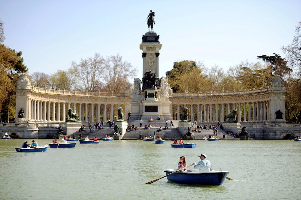 Monument to Alfonso XII. and a man_made lake in the Buen Retiro Park, Parque del Buen Retiro, Madrid, Spain, Europe, PublicGround : Stock Photo
