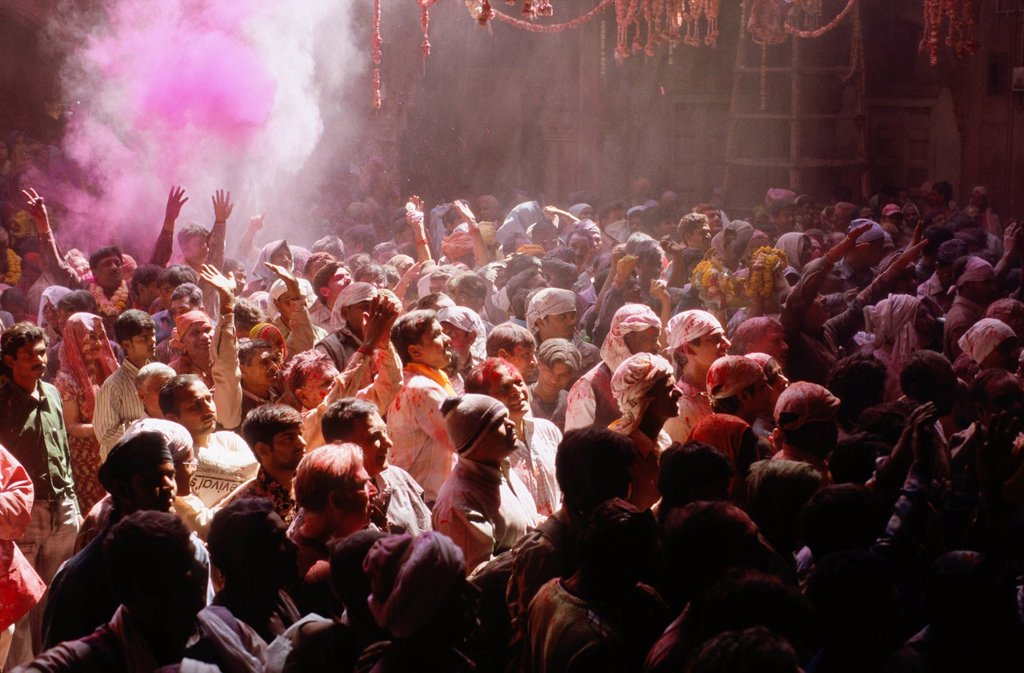 Visitors at Bihari Temple during Holi festival, Vrindaban, Uttar Pradesh, India, Asia : Stock Photo