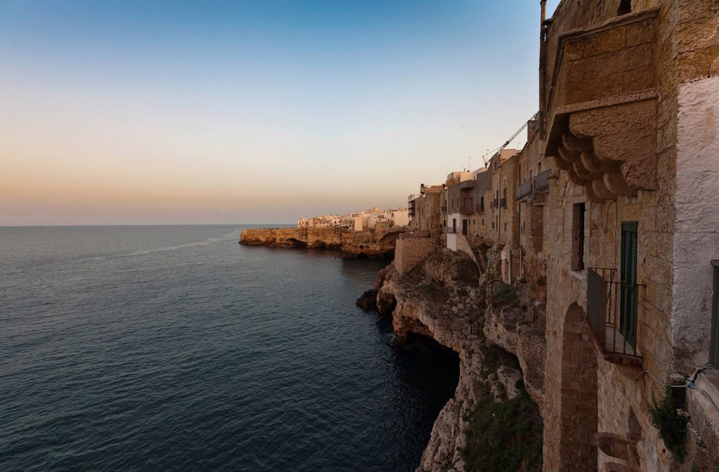 Stock Photo: 1848-590443 Polignano a Mare, historic town centre built on the cliffs by the sea, Apulia, Southern Italy, Italy, Europe