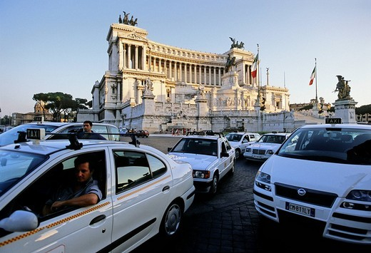 Stock Photo: 1848-59136 Taxi stand, National Monument Vittorio Emanuele II, Piazza Venezia, Rome, Lazio, Italy, Europe
