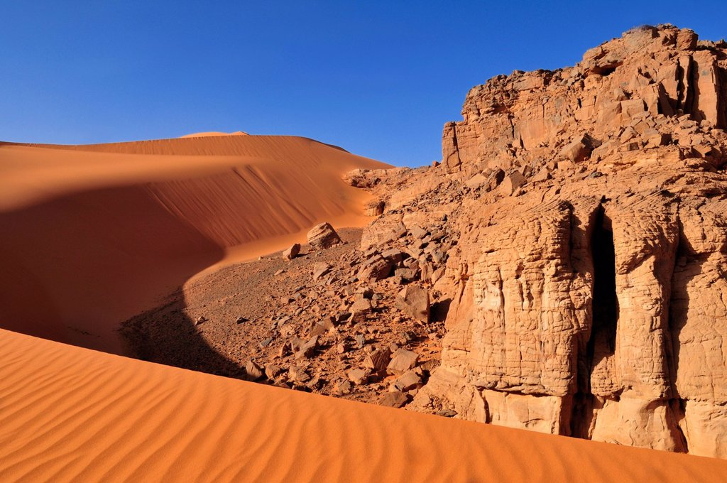 Stock Photo: 1848-594220 Sand dune at Tin Merzouga, Tadrart, Tassili n´Ajjer National Park, Unesco World Heritage Site, Algeria, Sahara, North Africa