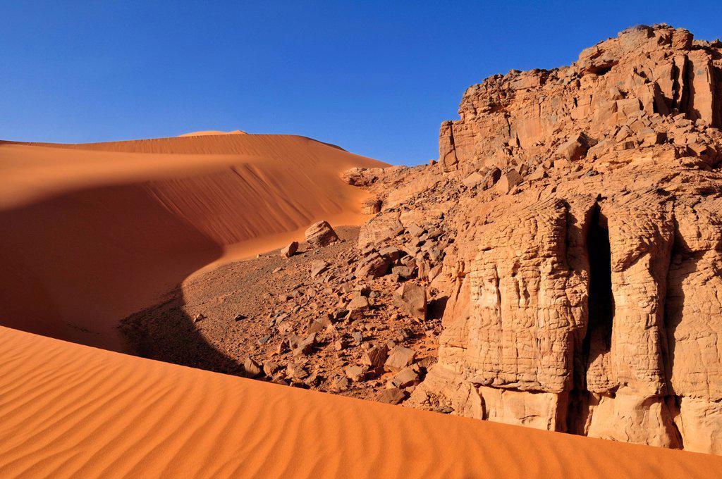 Sand dune at Tin Merzouga, Tadrart, Tassili n´Ajjer National Park, Unesco World Heritage Site, Algeria, Sahara, North Africa : Stock Photo