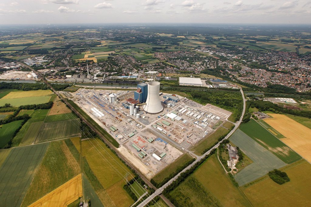 Stock Photo: 1848-595039 Aerial view, EON Datteln 4 Power Station, Dortmund_Ems Canal, Datteln, Ruhr Area, North Rhine_Westphalia, Germany, Europe