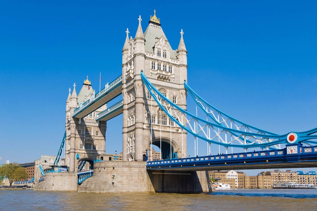 Stock Photo: 1848-595516 The Tower Bridge from Southwark, London, England, United Kingdom, Europe