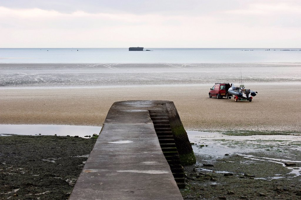 Stock Photo: 1848-595740 Arromanches_les_Bains, D_Day, Gold Beach, remnants of the artificial landing harbour, Mulberry Harbour, Normandy, France, Europe