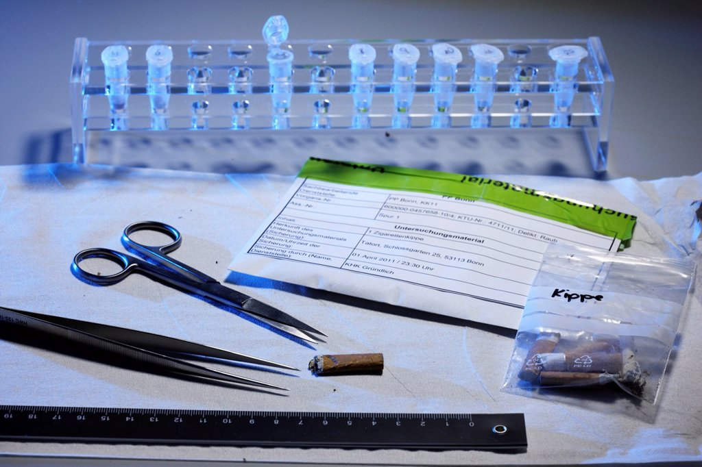Stock Photo: 1848-596865 Kriminaltechnisches Institut, KTI, Forensic Science Institute, DNA analysis, trace carriers are examined for DNA evidence, police, Landeskriminalamt, LKA, State Criminal Police Office, North Rhine_Westphalia, Germany, Europe