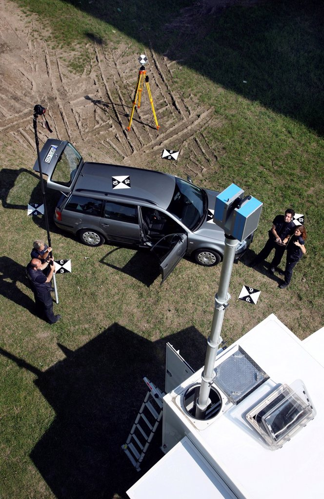 Stock Photo: 1848-596891 Kriminaltechnisches Institut, KTI, Forensic Science Institute, crime scene surveyor, with the help of a 3D laser scanner a three_dimensional image of a crime scene is created, police, Landeskriminalamt, LKA, State Criminal Police Office, North Rhine_Westp. Kriminaltechnisches Institut, KTI, Forensic Science Institute, crime scene surveyor, with the help of a 3D laser scanner a three_dimensional image of a crime scene is created, police, Landeskriminalamt, LKA, State Criminal Police Office, North