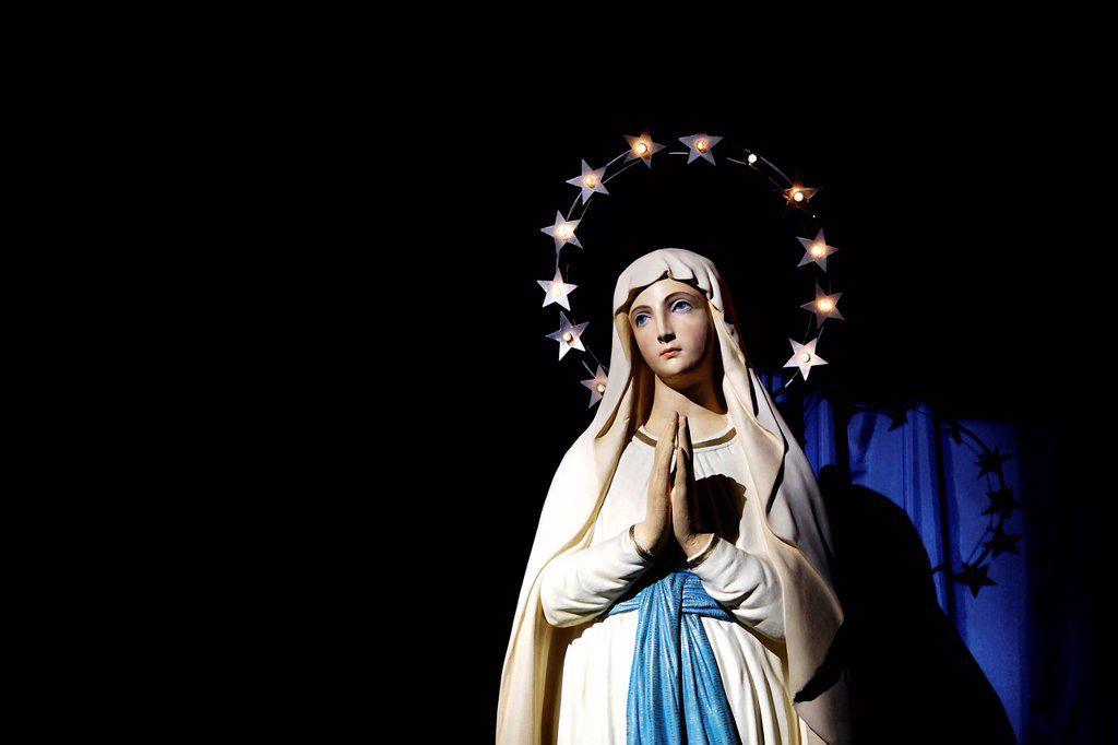 Madonna statue : Stock Photo