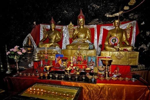 Stock Photo: 1848-59970 Cult figures, Tashidor monastery, at the Namtsho lake, Tibet, Asia