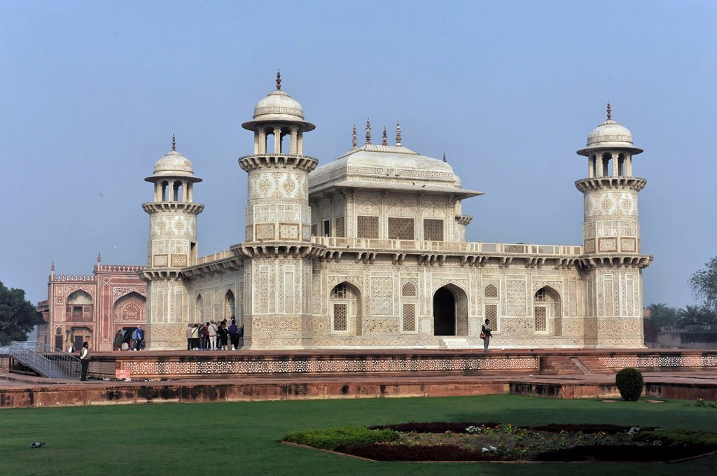 Stock Photo: 1848-602424 Mausoleum of Itmad_ud_Daulah, Uttar Pradesh, North India, India, Asia