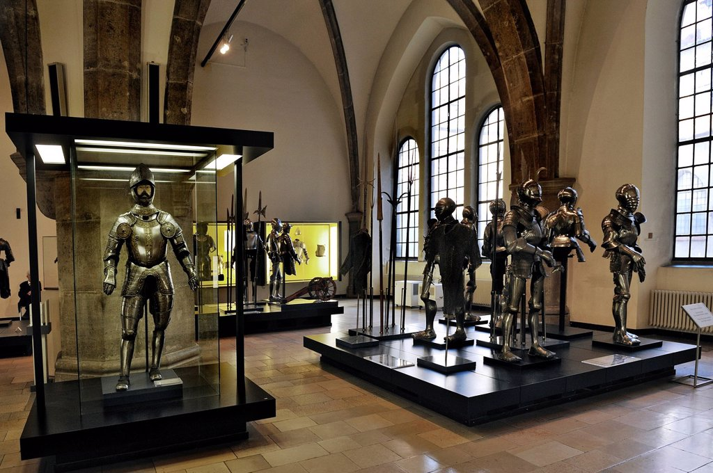 Hall with medieval armour, full plate armour from southern Germany, 16th Century, Bavarian National Museum, Prinzregentenstrasse 3, Munich, Bavaria, Germany, Europe : Stock Photo
