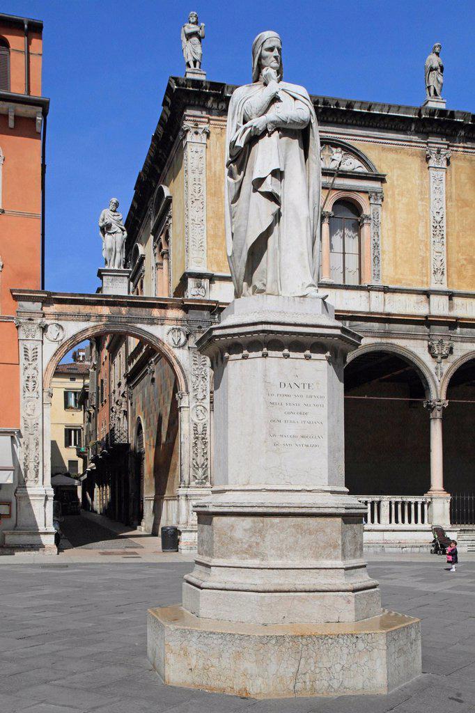 Stock Photo: 1848-604713 Piazza dei Signori square with the historic town hall and the statue of Dante, Verona, Veneto region, Italy, Europe