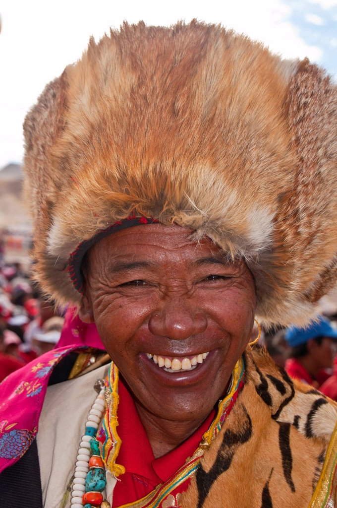Stock Photo: 1848-605486 Traditionally dressed man on the festival of the tribes in Gerze, Western Tibet, Asia
