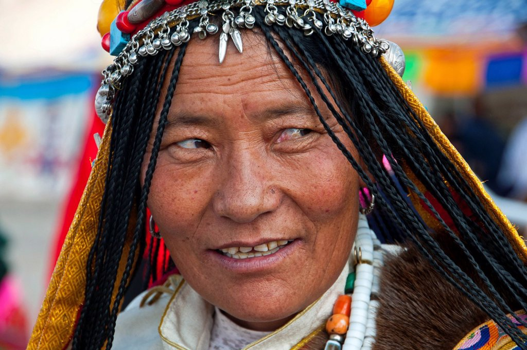 Stock Photo: 1848-605491 Traditionally dressed woman on the festival of the tribes in Gerze, Western Tibet, Asia