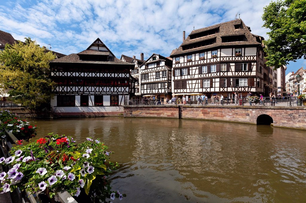 Stock Photo: 1848-606280 District of Le Petite France, Strasbourg, Ill River, Alsace, France, Europe