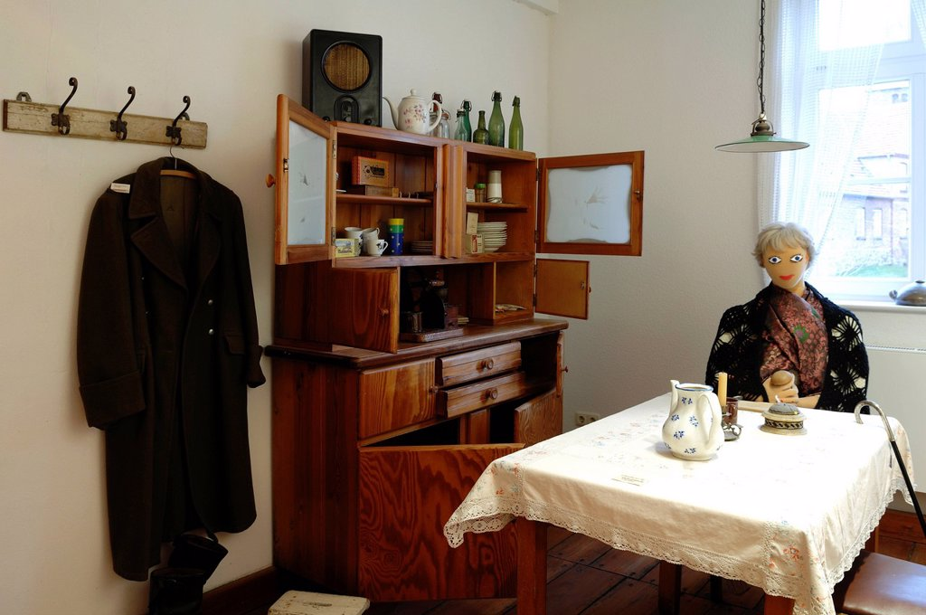 Stock Photo: 1848-608727 Replica of a GDR apartment of 1967, located close to the border in Ratzeburg, Grenzhus Museum, Neubauernweg 1, Schlagsdorf in the former border area, Mecklenburg_Western Pomerania, Germany, Europe