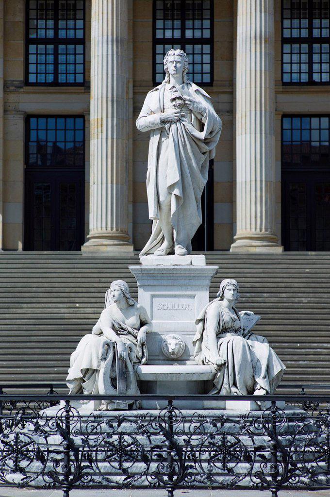 Gendarmenmarkt, Schiller Statue in front of Konzerthaus Berlin concert house, Friedrichstadt, Berlin, Germany, Europe. : Stock Photo