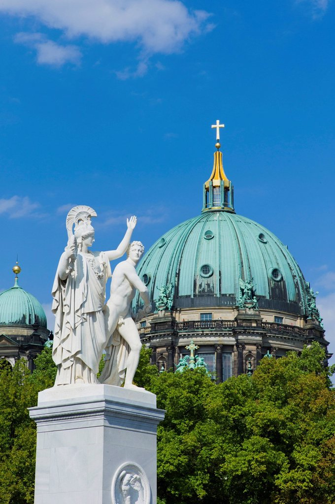 Stock Photo: 1848-609916 Athena and Warrior sculpture, by sculptor Albert Wolff, behind the Berliner Dom, protestant parish church and cathedral, Museumsinsel, UNESCO World Heritage Site, Berlin, Germany, Europe