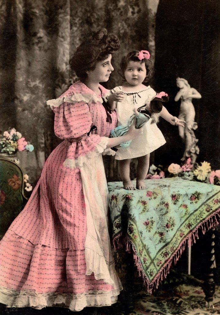 Woman, girl, doll, historical photograph from 1905 : Stock Photo