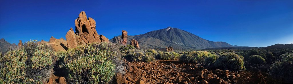 Roques de Garcia, Mount Teide, or Pico del Teide, Tenerife, Canary Islands, Spain, Europe : Stock Photo