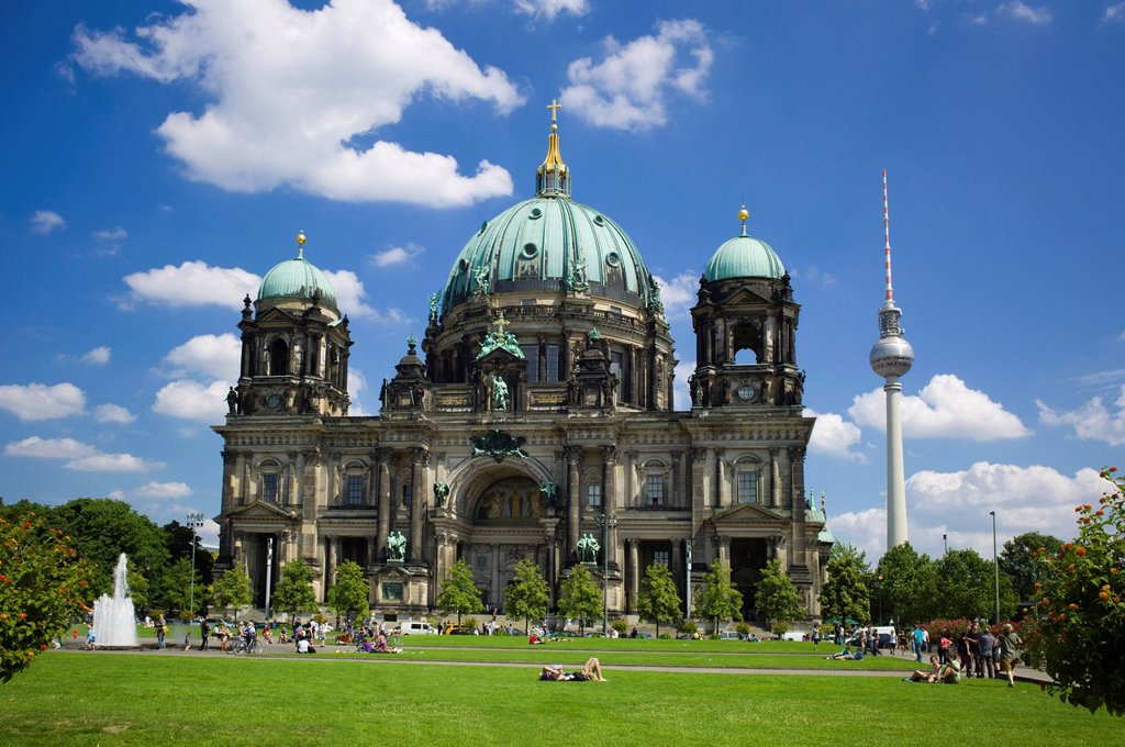 Stock Photo: 1848-610792 Berliner Dom, protestant parish church and cathedral, in front the Lustgarten park, Museumsinsel, UNESCO World Heritage Site, Berlin, Germany, Europe