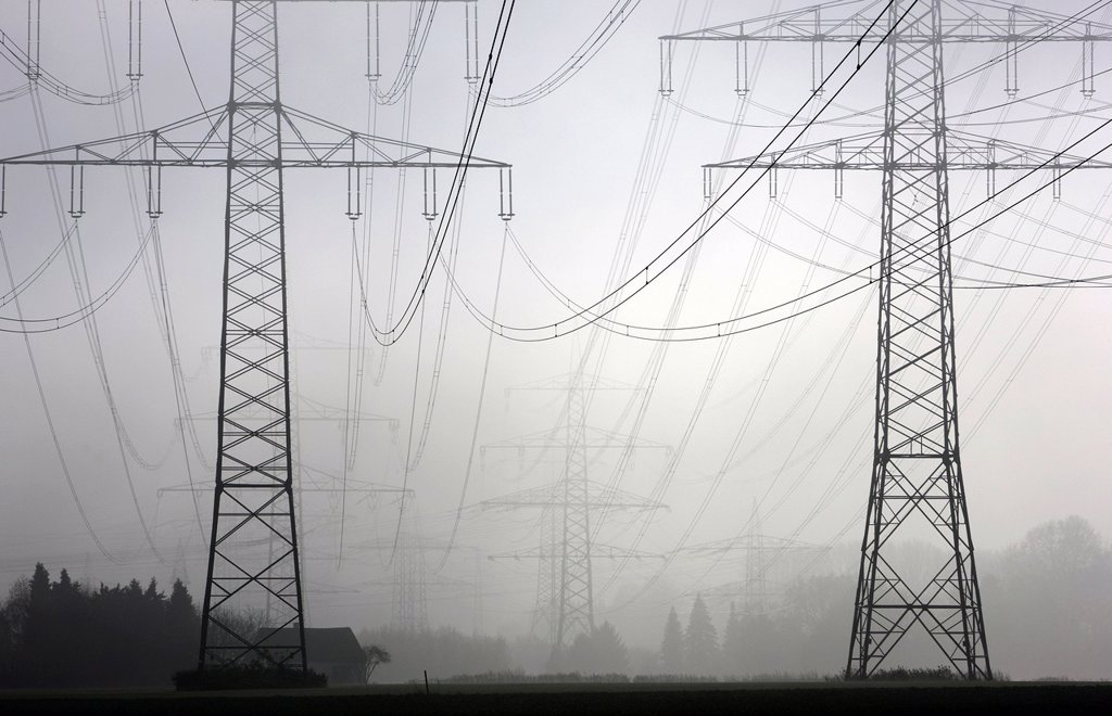 Stock Photo: 1848-611204 Electricity pylons and power lines in the autumn mist, Gelsenkirchen, North Rhine_Westphalia, Germany, Europe