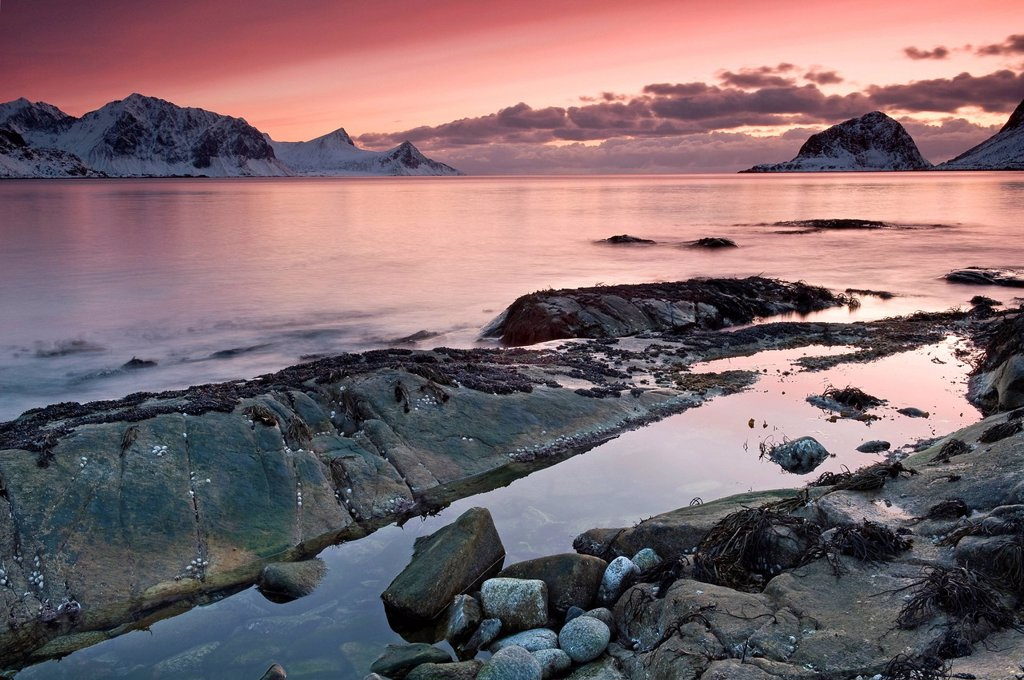 Stock Photo: 1848-616053 Sunset near Haukland, Vikbukta Bay on the island of Vestvågøya, Vestvagoya, Lofoten Islands, Northern Norway, Norway, Europe