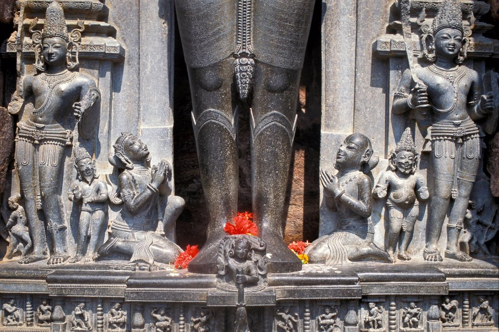 Stock Photo: 1848-616104 Hindu deities and statues praying, statue of the Vedic sun god Surya, Surya Temple or Sun Temple, UNESCO World Heritage Site, Konarak, Konark, Orissa, East India, India, Asia