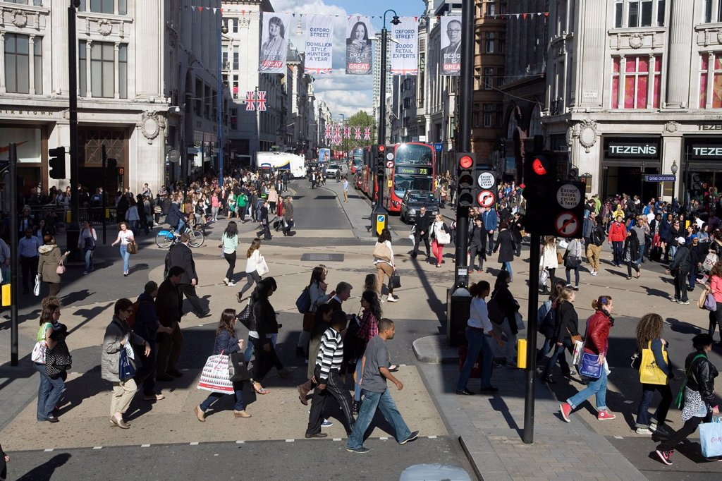 Stock Photo: 1848-616124 Pedestrians on the Oxford Circus crossing, London, England, United Kingdom, Europe