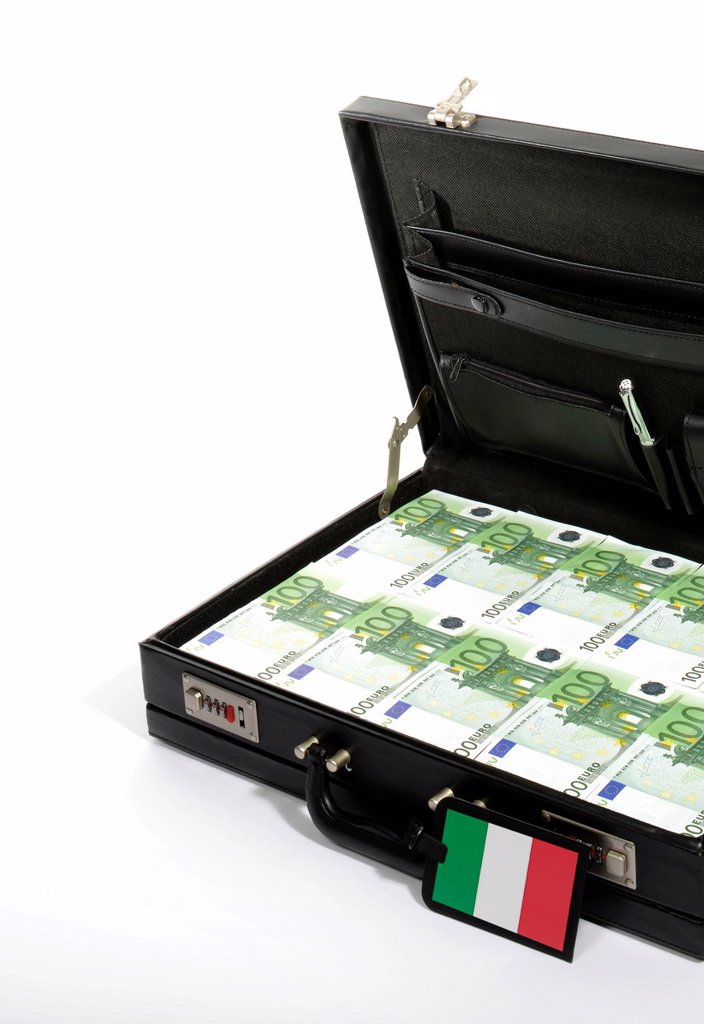 Stock Photo: 1848-617108 Symbolic image for European countries at risk, 100_euro banknotes in a briefcase, suitcase of money, luggage tag with a Italian national flag