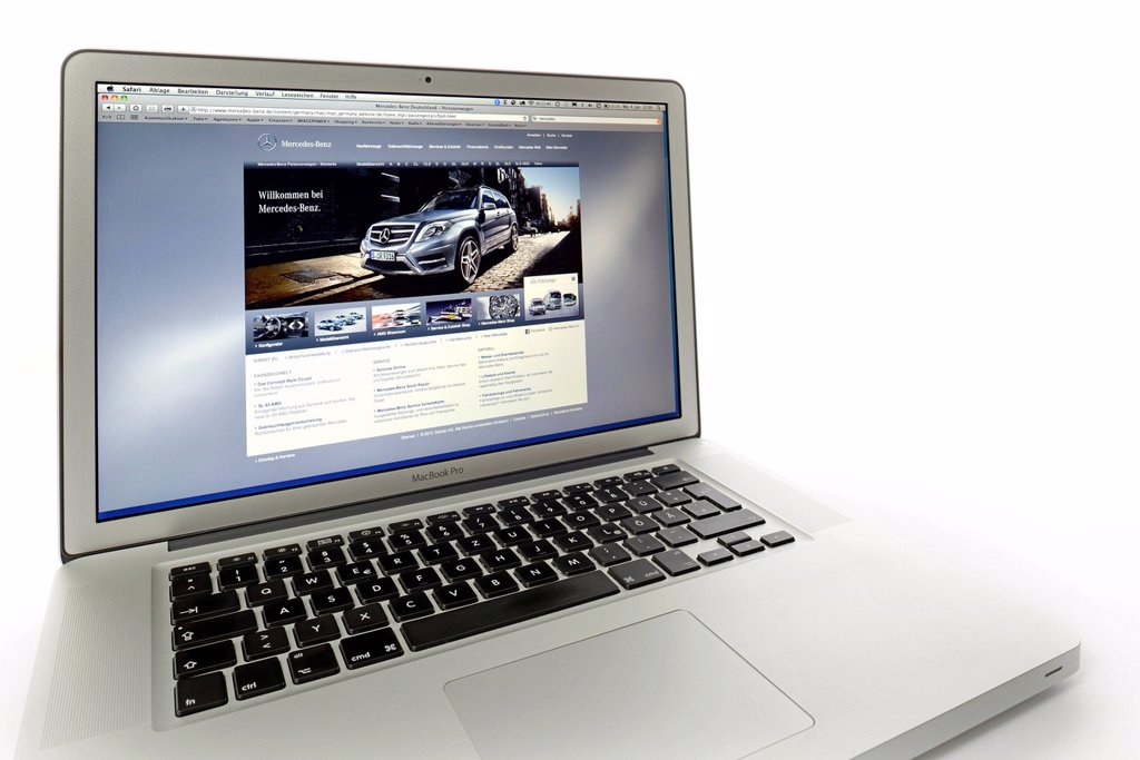 Stock Photo: 1848-617877 Mercedes_Benz, website displayed on the screen of an Apple MacBook Pro