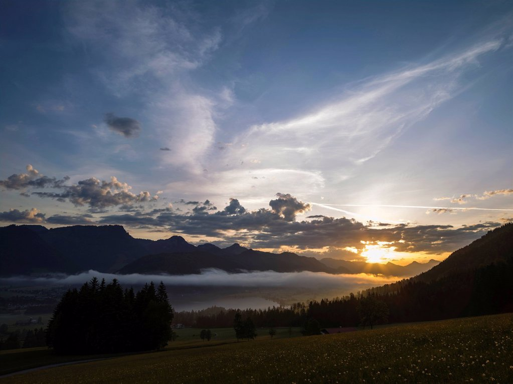 Sunrise over Walchsee Lake, Tyrol, Austria, Europe : Stock Photo