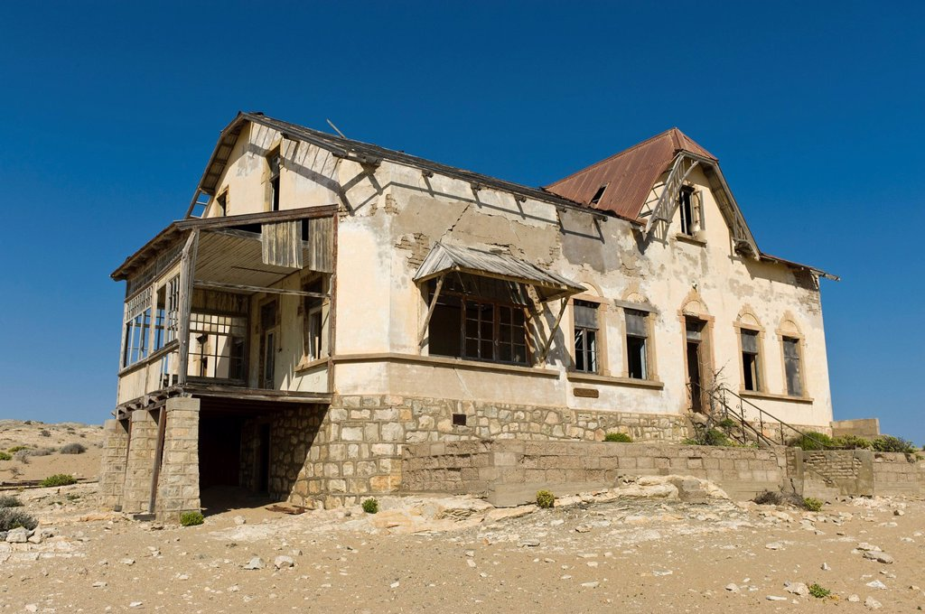 Stock Photo: 1848-618176 Ruined house, abandoned diamond mine, Kolmanskop, Namibia, Africa