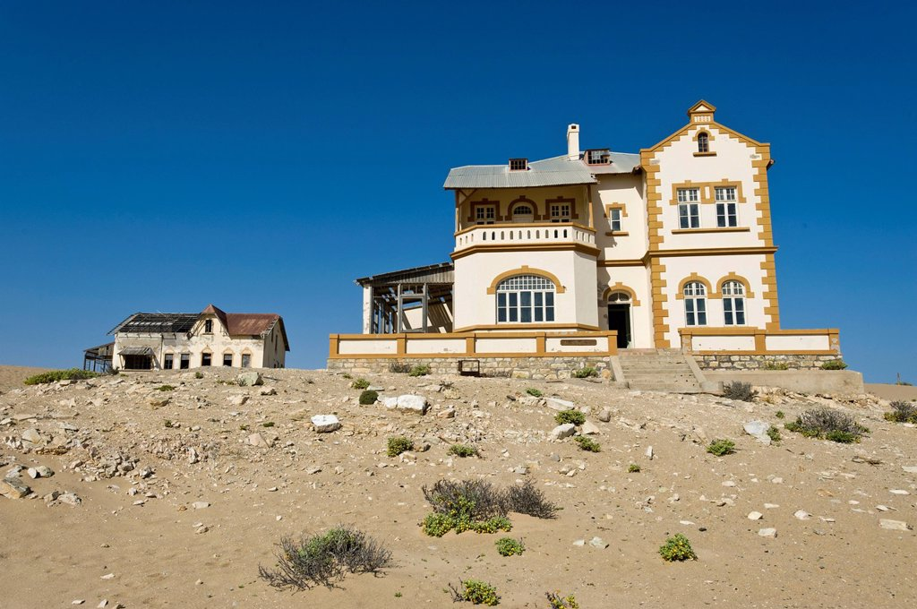 Stock Photo: 1848-618179 Ruined house of the mine manager, abandoned diamond mine, Kolmanskop, Namibia, Africa