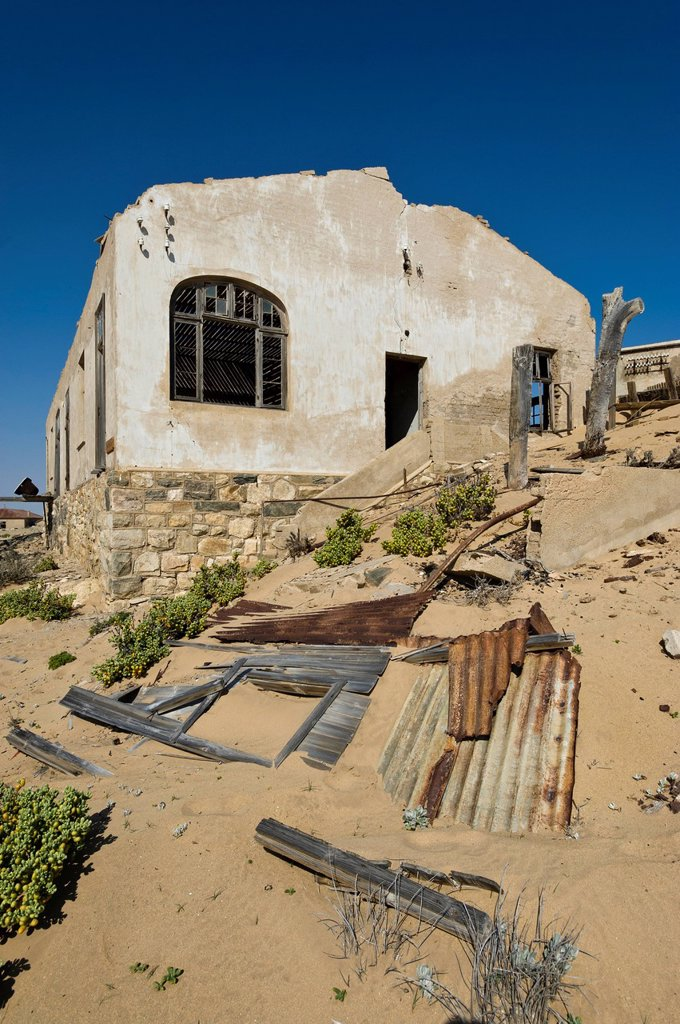 Stock Photo: 1848-618868 Ruined house, abandoned diamond mine, Kolmanskop, Namibia, Africa