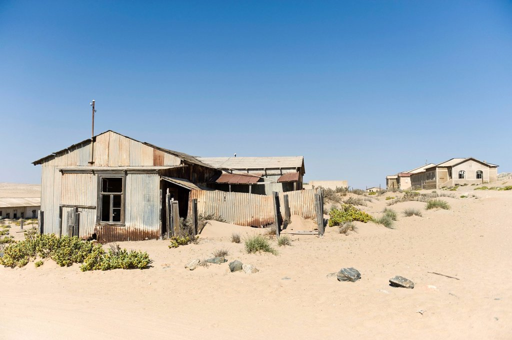 Stock Photo: 1848-618871 Factory building, abandoned diamond mine, Kolmanskop, Namibia, Africa
