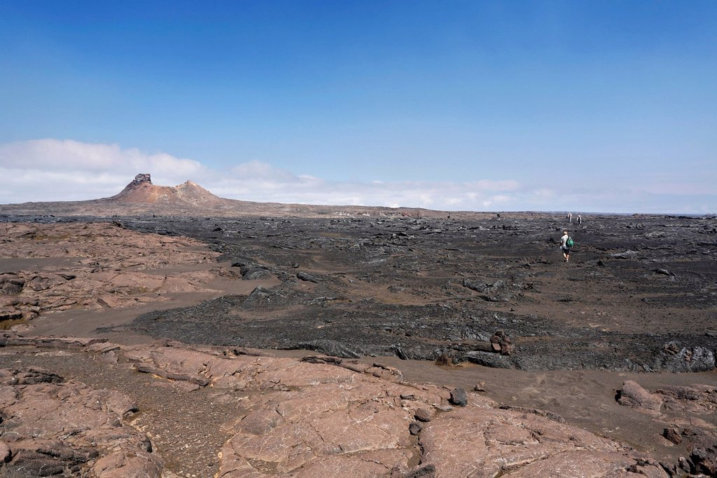 Stock Photo: 1848-619172 Hikers on their way to the Cone Crater on the Kau Desert Trail, Kilauea volcano, Hawaii Volcanoes National Park, Big Island, Hawaii, USA