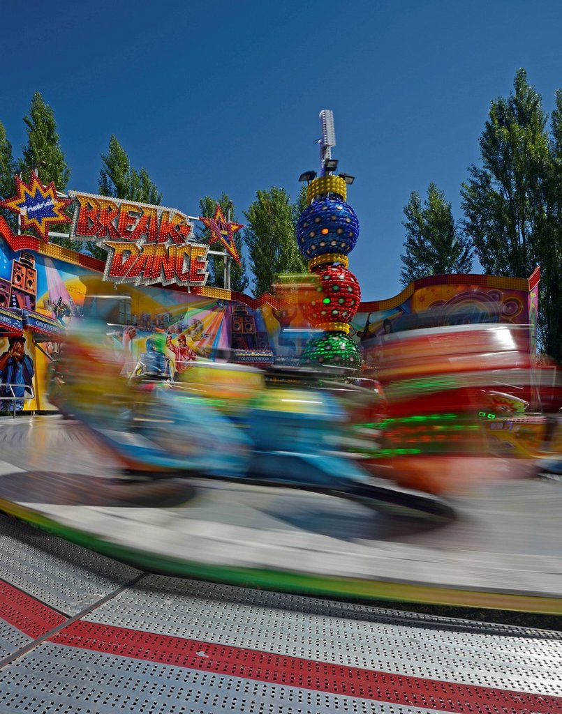 Stock Photo: 1848-621110 Breakdance funfair ride, funfair, motion blur, Berlin, Germany Europe
