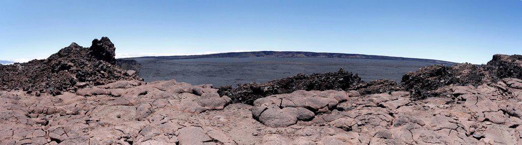 Panoramic view of the Mauna Loa volcano, summit with crater, Big Island, Hawaii, USA : Stock Photo