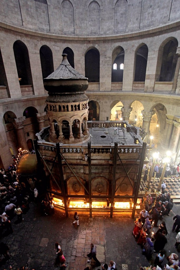 Stock Photo: 1848-626336 Sepulchre, sacred grave, aedicula, Good Friday at the Church of the Holy Sepulchre, Jerusalem, Yerushalayim, Israel, Middle East