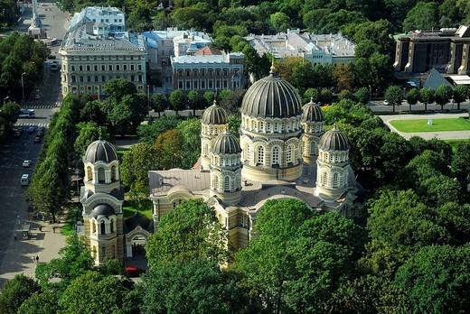 Russian Orthodox Cathedral, Kristus Piedzimsanas pareizticigo Katedrale, Orthodox Church of Christ´s Birth, in the Esplanade park, Riga, Latvia, Baltic states, Northeastern Europe : Stock Photo