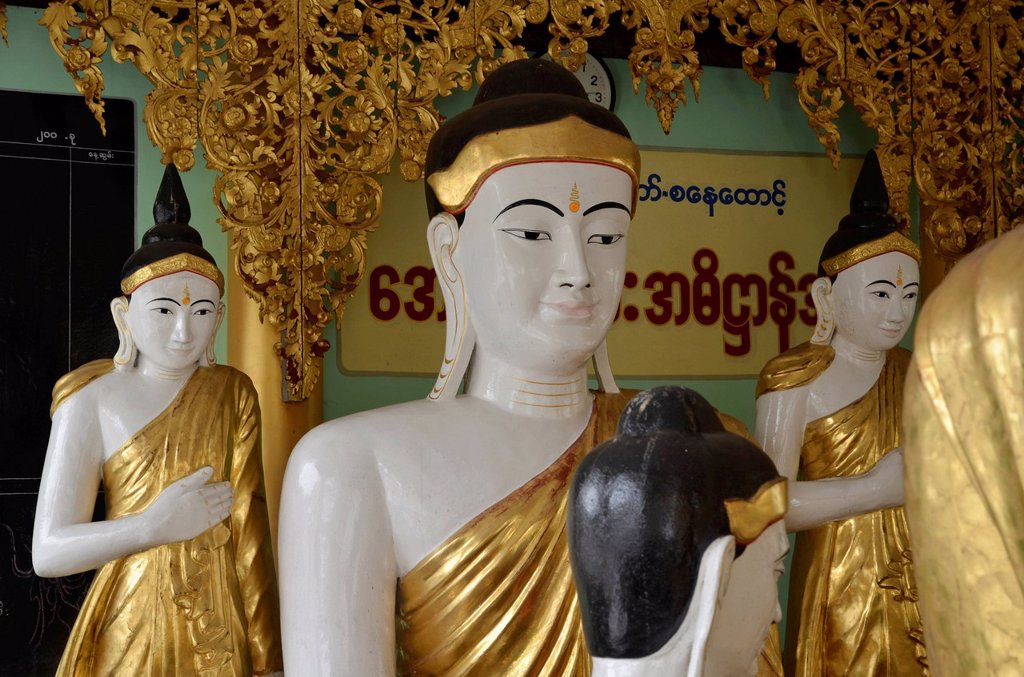 Stock Photo: 1848-627736 Buddha figures, Shwedagon Pagoda, Yangon, Rangoon, Myanmar, Burma, Southeast Asia, Asia