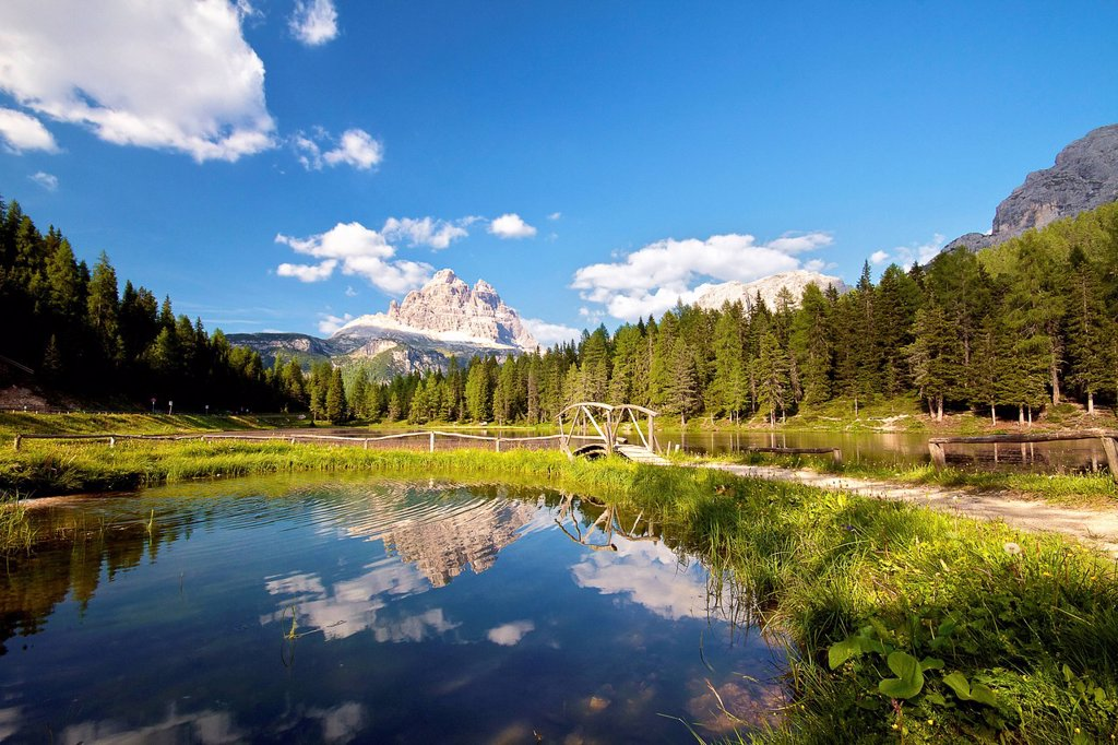 Stock Photo: 1848-628915 Lake near Misurina with side view of the Tre Cime di Lavaredo, Dolomites, South Tyrol, Italy, Europe