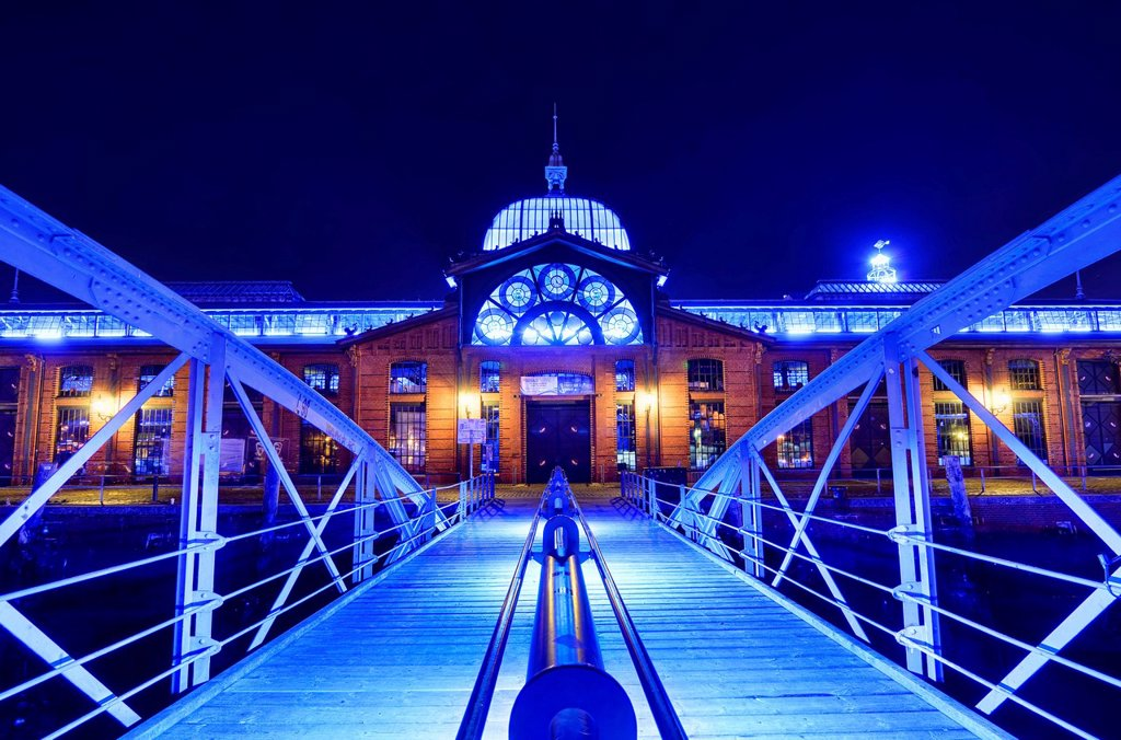 Stock Photo: 1848-629545 Fischauktionshalle, Fish Auction, during the Blue Port illuminations, Hamburg, Germany, Europe