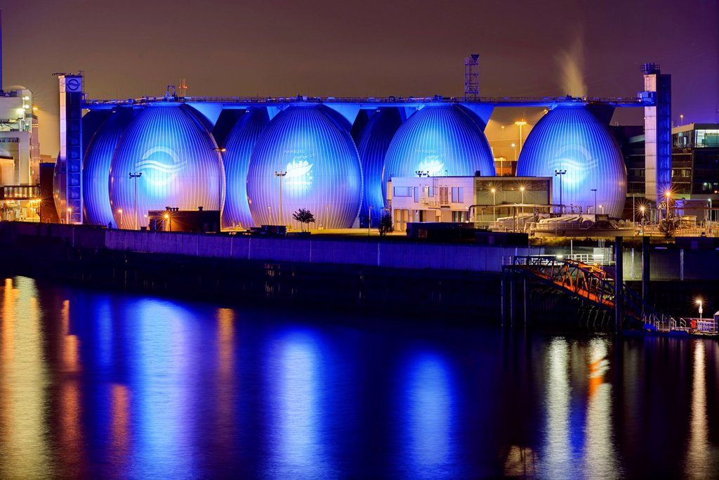 Stock Photo: 1848-629547 Koehlbrandhoeft sewage works and Blue Port illuminations, Hamburg, Germany, Europe