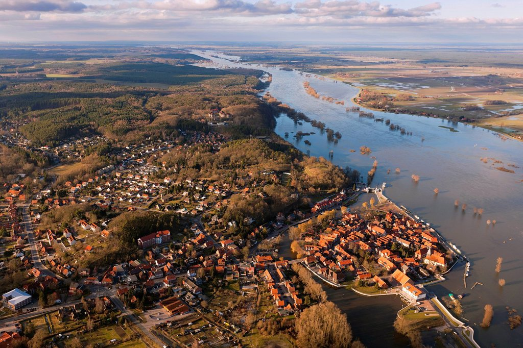 Stock Photo: 1848-630772 Aerial view, Hitzacker on the Elbe River, historic town centre, Jeetzel, Elbe Valley Nature Park, winter floods, Lower Saxony, Germany, Europe