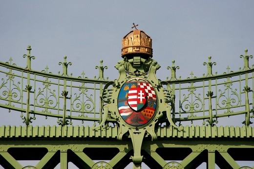 Hungarian coat of arms with crown on the Liberty bridge, Budapest, Hungary, Europe : Stock Photo