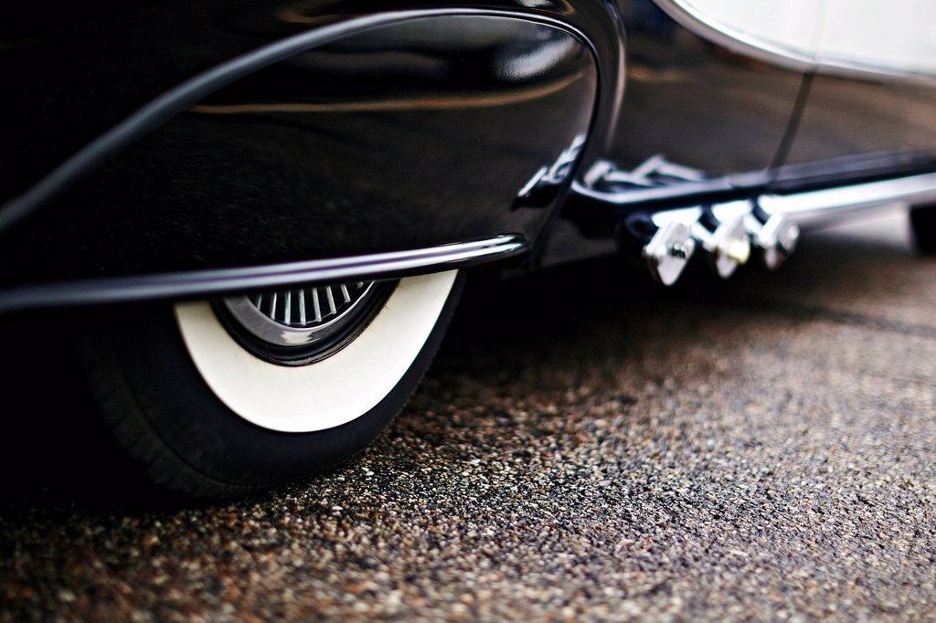 Tyre, fenders, vintage car, USA : Stock Photo