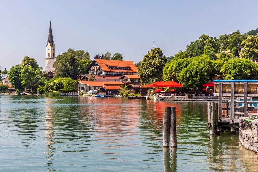 Stock Photo: 1848-649588 Schliersee Lake and the community of Schliersee, Alps, Bavaria, Germany, Europe